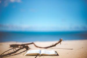 読書はテレワーク中のストレス解消に最適